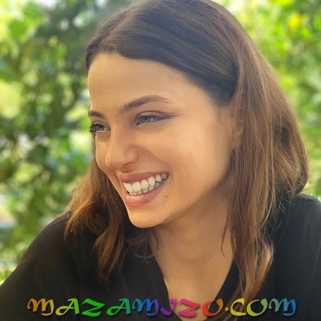 ليلى تانلار
