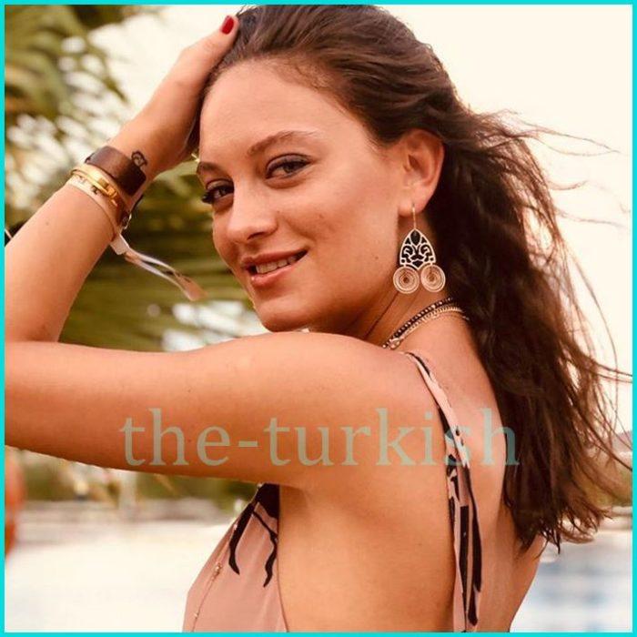 شاهد جمال الممثلة التركية بطلة مسلسل الماضي العزيز