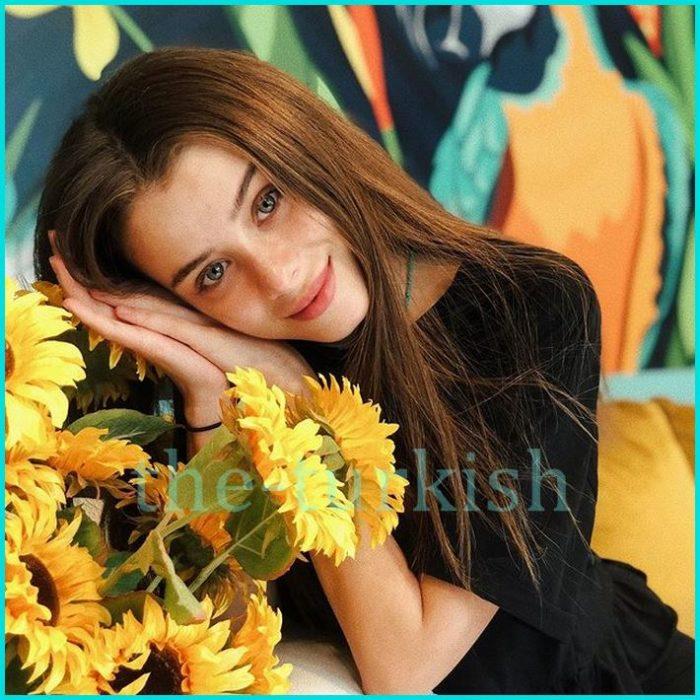 ممثلة شابة تركية