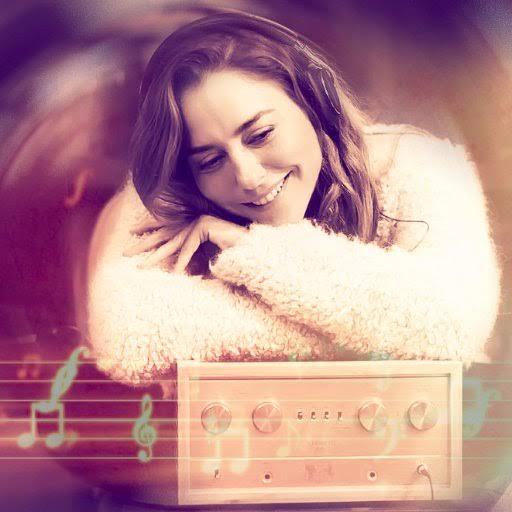 لحبها للموسيقي