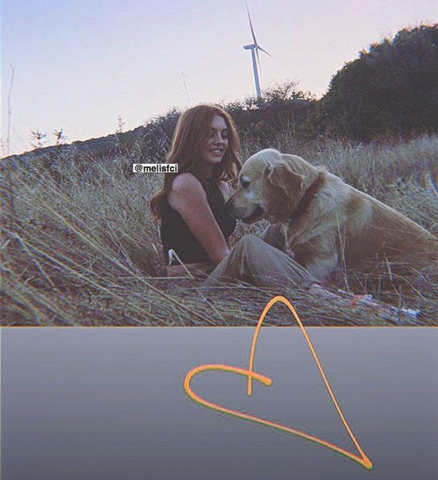 مع كلبها المفضل